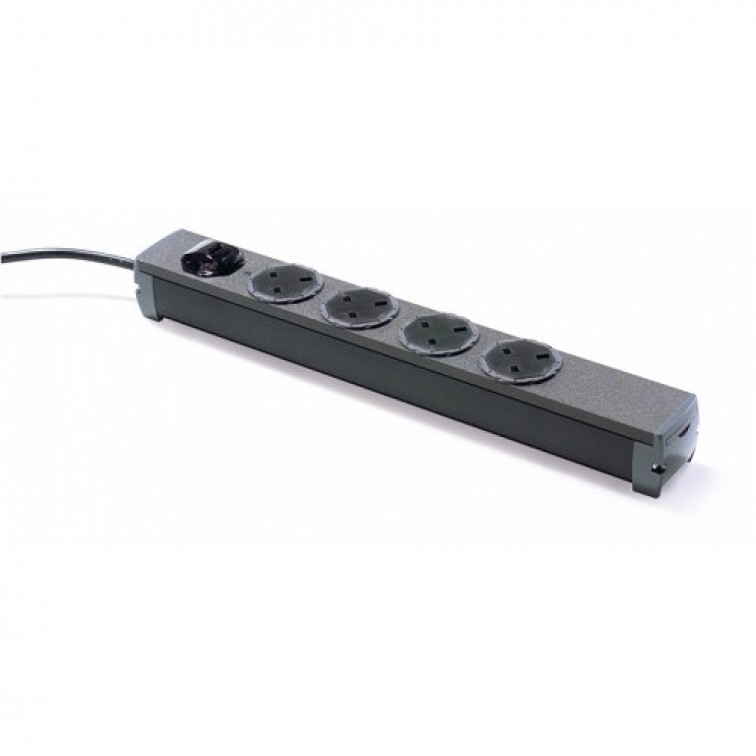 5 Way Universal PDU with UK sockets and IEC C14 Plug